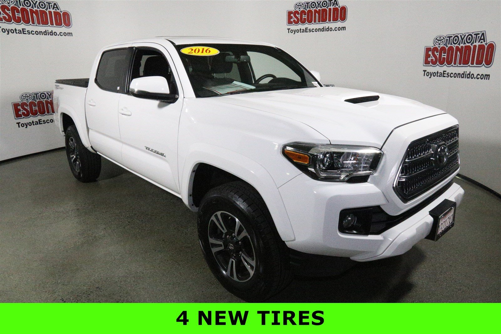 certified pre owned 2016 toyota tacoma crew cab pickup in escondido gm005309 toyota escondido. Black Bedroom Furniture Sets. Home Design Ideas