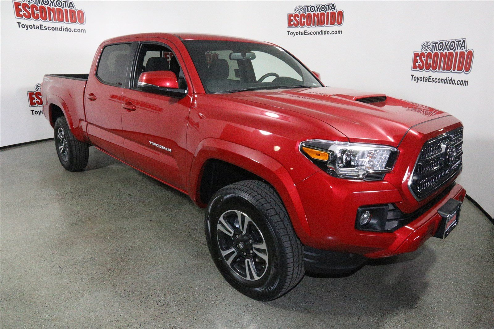 new 2017 toyota tacoma trd sport double cab pickup in escondido hm008718 toyota escondido. Black Bedroom Furniture Sets. Home Design Ideas