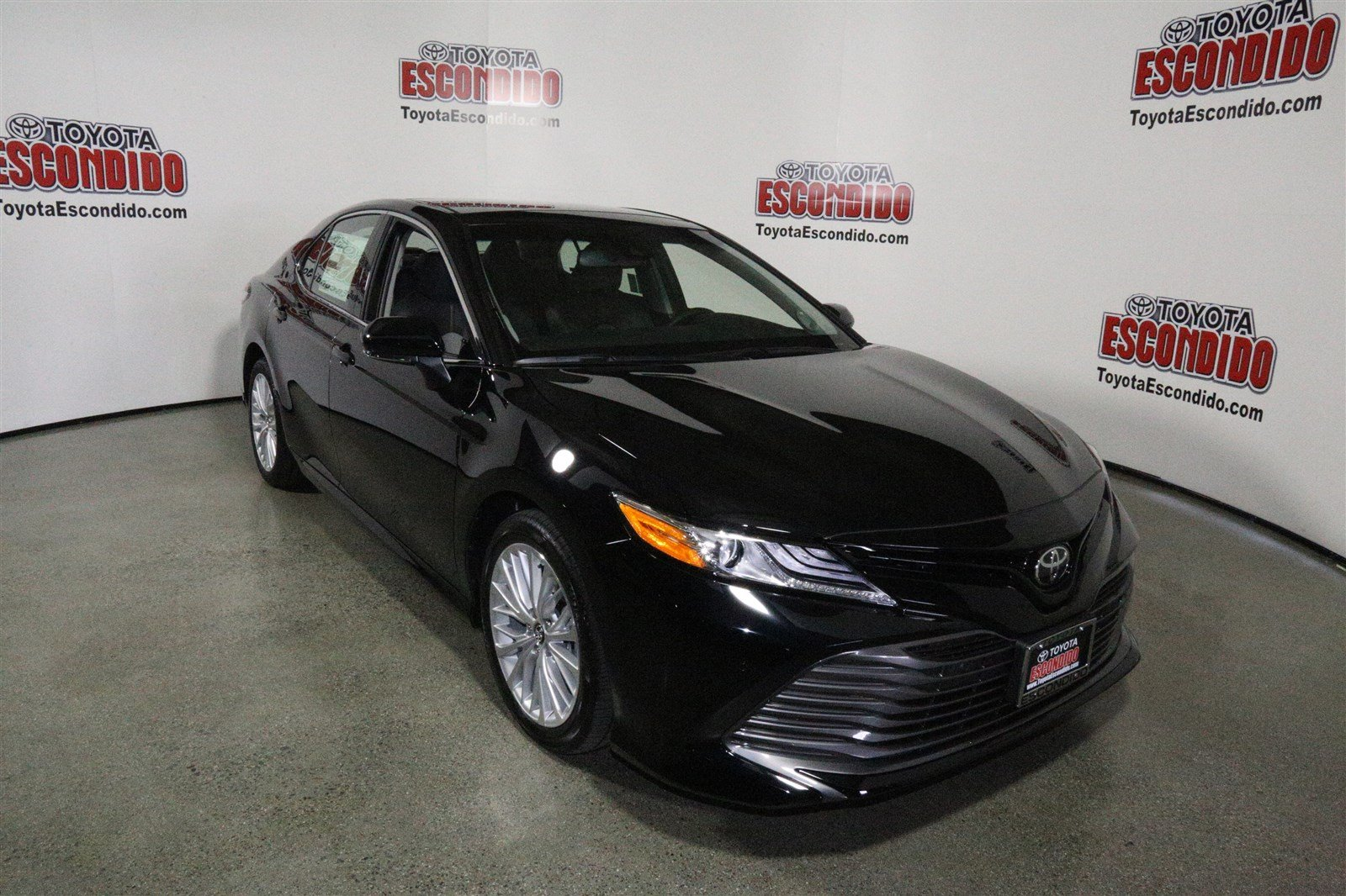 new 2018 toyota camry xle v6 4dr car in escondido 1015166. Black Bedroom Furniture Sets. Home Design Ideas