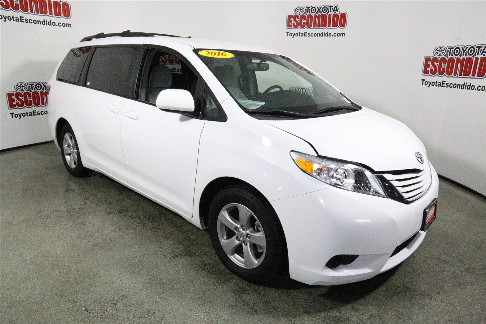 pre owned 2016 toyota sienna le mini van passenger in escondido 1010290 toyota escondido. Black Bedroom Furniture Sets. Home Design Ideas