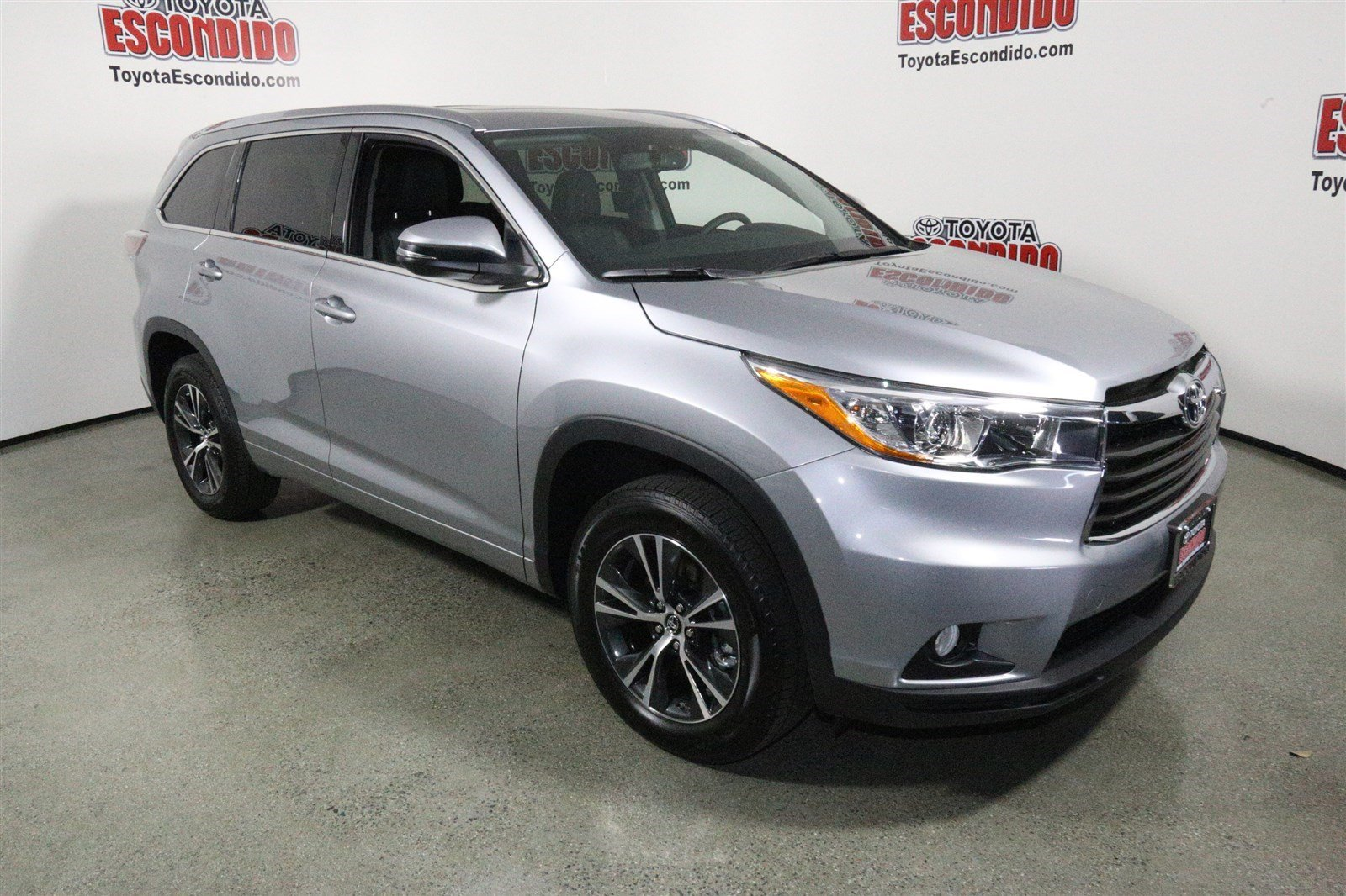 new 2016 toyota highlander xle sport utility in escondido 1014298 toyota of escondido. Black Bedroom Furniture Sets. Home Design Ideas