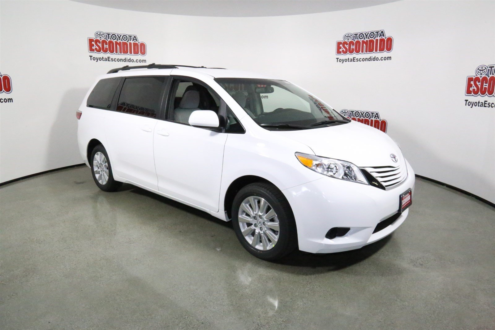 new 2017 toyota sienna le mini van passenger in escondido 1014051 toyota escondido