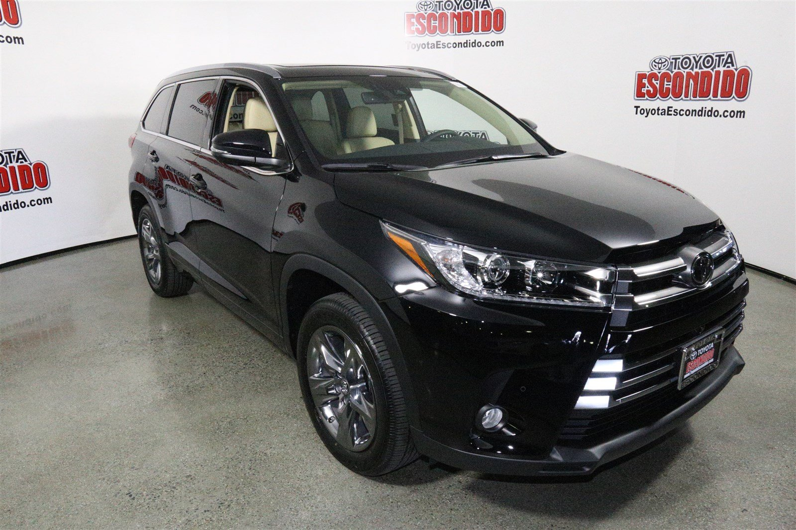 new 2017 toyota highlander limited platinum sport utility in escondido 1014591 toyota escondido. Black Bedroom Furniture Sets. Home Design Ideas