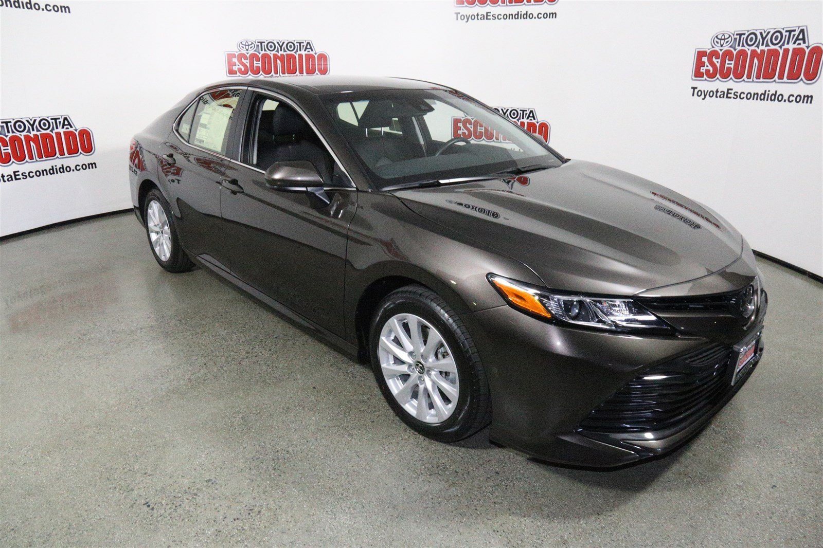 2018 toyota camry se. brilliant camry new 2018 toyota camry le and toyota camry se